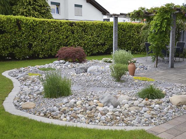 Amstutz Gartenbau AG, Steingarten, Bollensteinen